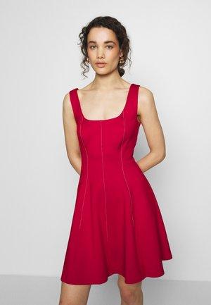 LOHANNA - Jerseykjole - red