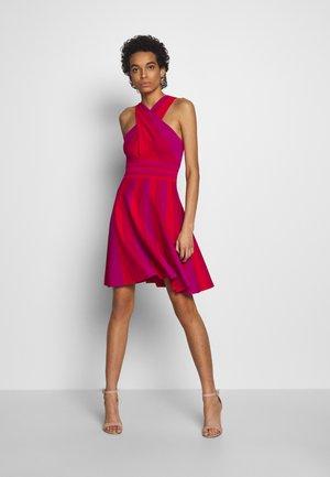 KILYIEE - Robe en jersey - pink