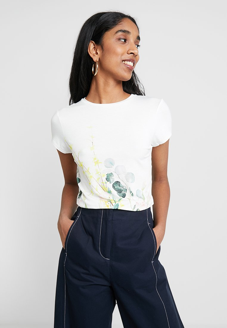 Ted Baker - BOBIIEE ELEGANCE FITTED TEE  - Print T-shirt - white
