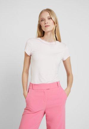 JACII - T-shirts print - nude/pink