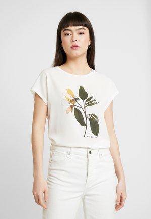 VINSANA - T-shirts med print - white
