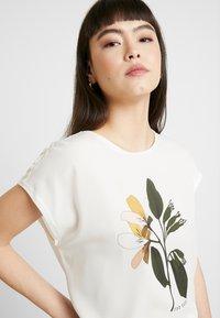Ted Baker - VINSANA - Print T-shirt - white - 3