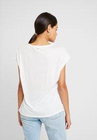 Ted Baker - SELLIE - Camiseta estampada - white - 2