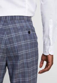Ted Baker - Pantaloni eleganti - blue - 5