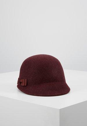 PHOEBBE - Hat - oxblood