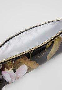 Ted Baker - LAKEA - Kosmetická taška - black - 5