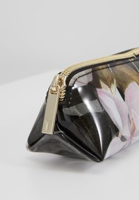 Ted Baker - LAKEA - Kosmetická taška - black - 2