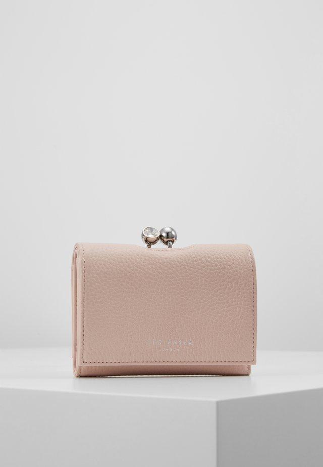 SURI - Wallet - pink