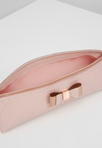 Ted Baker - VALS - Wash bag - pink - 5