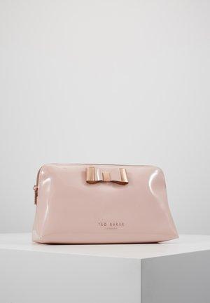 VANITEE - Wash bag - pink