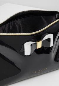 Ted Baker - VANITEE - Wash bag - black - 5
