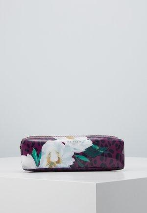 AGATHEA - Kosmetická taška - deep pink