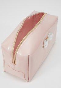 Ted Baker - EULALI - Wash bag - dusky pink - 5