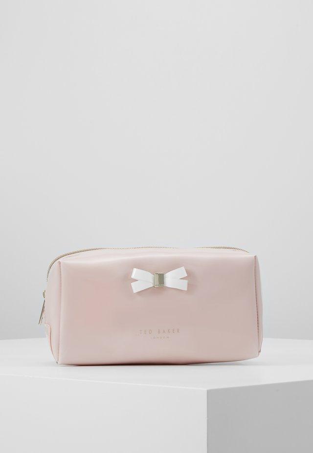 EULALI - Toiletti-/meikkilaukku - dusky pink