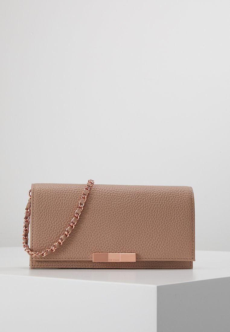 Ted Baker - EMMETT BOW CONCRTINA MATINEE - Clutch - nude