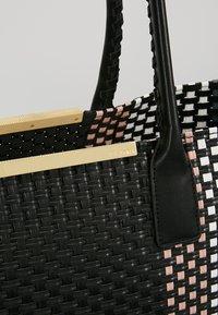 Ted Baker - MAARGO SMALL TOTE - Bolso shopping - black - 8