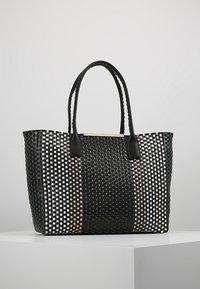 Ted Baker - MAARGO SMALL TOTE - Bolso shopping - black - 0