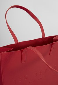 Ted Baker - SOOCON - Tote bag - red - 5