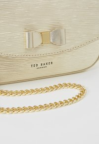 Ted Baker - DAISSY - Across body bag - gold - 6
