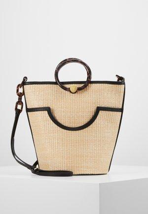 AMAYI - Handtasche - beige/black