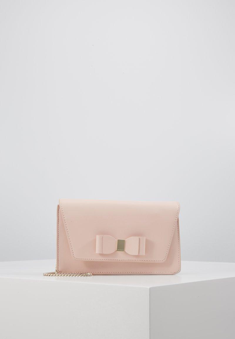 Ted Baker - KEEIIRA - Clutch - dusky pink