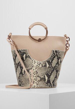 ALIENA - Handtasche - taupe