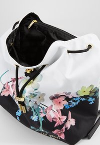 Ted Baker - DEVIEE - Reppu - ivory - 3