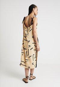 One Teaspoon - ABSTRACT WARRIOR DRESS - Maxi dress - ochre - 2