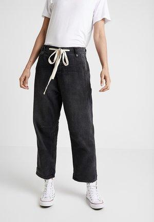 SAFARI HIGH WAIST - Flared Jeans - washed black