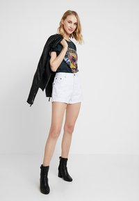 One Teaspoon - OUTLAWS - Denim shorts - white beauty - 1
