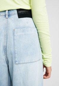 One Teaspoon - SMITHS HIGH WAIST TROUSER - Flared Jeans - wilde blue - 5