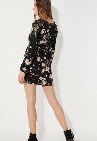 Tezenis - MIT SCHNÜRUNG - Day dress - nero st.floral bouquet - 2