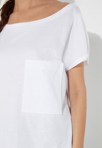 Tezenis - BRUSTTASCHE - Basic T-shirt - bianco - 3