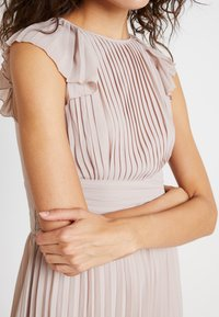 TFNC - MORELY HI LO - Occasion wear - whisper pink - 4