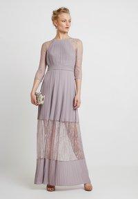 TFNC - TAYA MAXI - Společenské šaty - lavender fog - 2