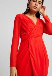 TFNC - GWENNO MIDI WRAP DRESS - Cocktailjurk - bright red - 5