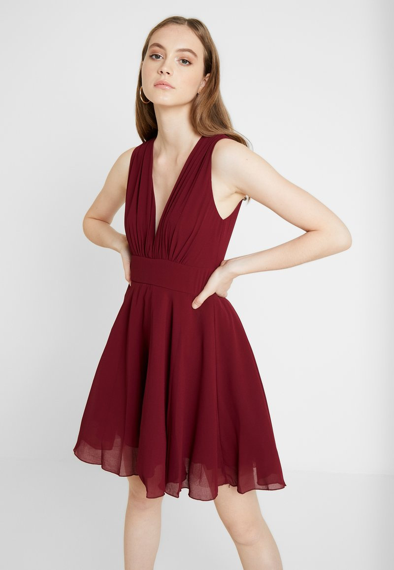 TFNC - NORDI MINI SKATER - Cocktailjurk - burgundy