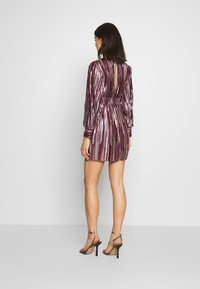 TFNC - ZOULA DRESS - Koktejlové šaty/ šaty na párty - burgundy/gold - 2