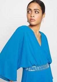 TFNC - LENNIS MAXI WRAP DRESS - Galajurk - blue - 3