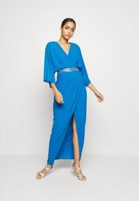 TFNC - LENNIS MAXI WRAP DRESS - Galajurk - blue - 1