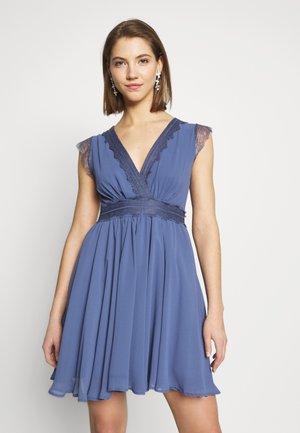 PERRY MINI DRESS - Koktejlové šaty/ šaty na párty - blue