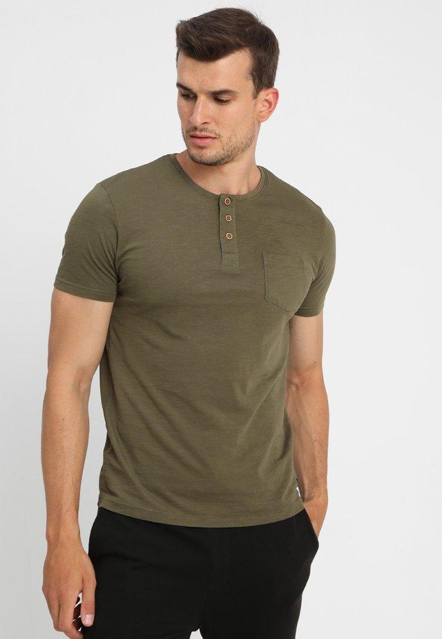 BRIAN - Print T-shirt - green