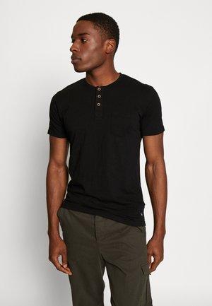 BRIAN - Print T-shirt - black