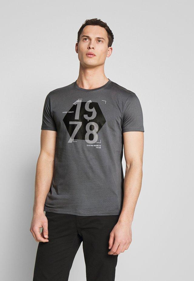 MOLDEN - T-shirt con stampa - castlerock