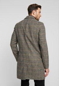 Tiffosi - FINLEY - Halflange jas - beige/black - 2