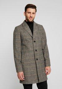 Tiffosi - FINLEY - Halflange jas - beige/black - 0