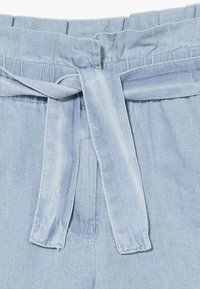Tiffosi - CORINE - Shorts - denim light indigo wash - 4
