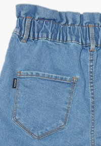 Tiffosi - PENELOPE - Short en jean - blue denim - 3