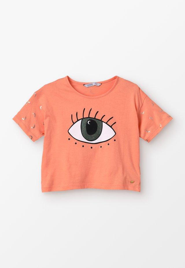 COAGU - Camiseta estampada - laranja