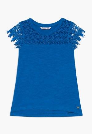LORTTY - T-shirt imprimé - blue